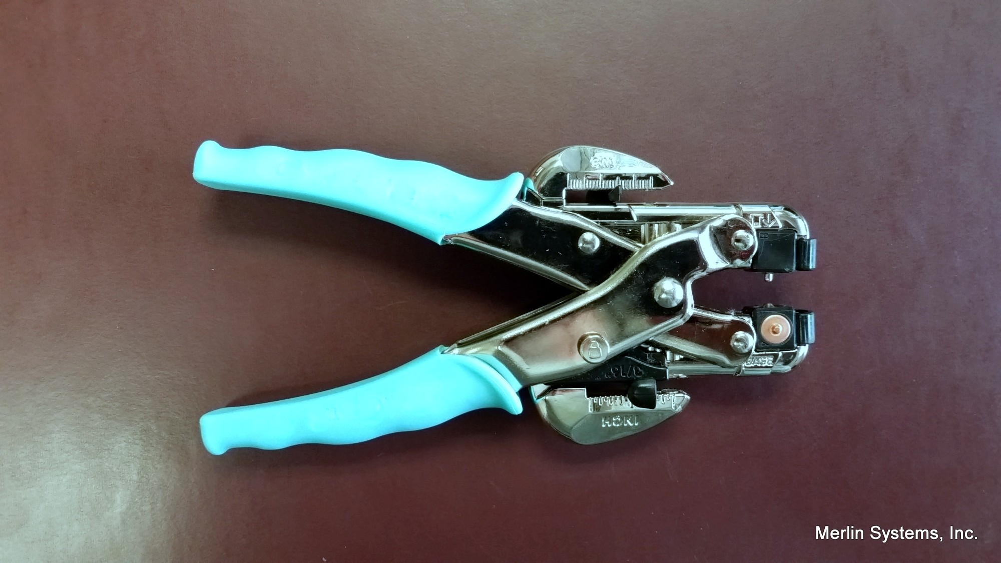 Small Grommet Setting Pliers